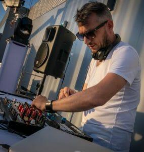 DJ mix afterwork rooftop Lyon, dj lyon, LHSD, LH sound design, Ludovic Hautevelle