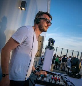 DJ mix afterwork deep house rooftop