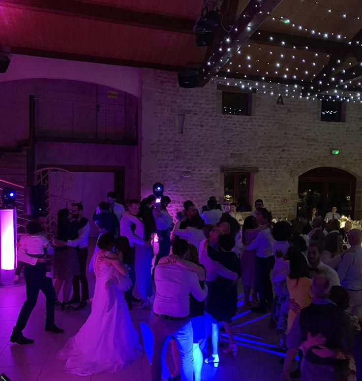 Dancefloor mariage Clos du Puits